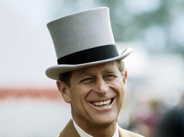 Фото №3 - Как принц Филипп заставил Королеву краснеть из-за его шутки