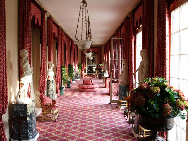 Фото №3 - Британия в возмущении: самые дорогие ремонты, которые Виндзоры делали в своих резиденциях