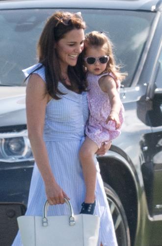 Фото №3 - Копия прабабушки: Шарлотта все больше похожа на Королеву