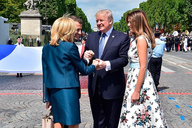 Фото №20 - Первые подруги: Мелания Трамп и Бриджит Макрон в Париже