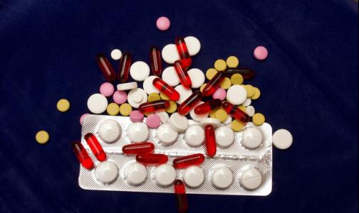 Фото №1 - Глава российского Минздрава заявил о возможном импорте лекарств для лечения коронавируса