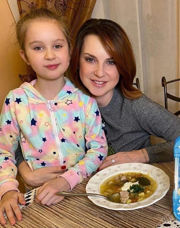Фото №2 - Ирина Слуцкая: «Родительские чаты— это зло»