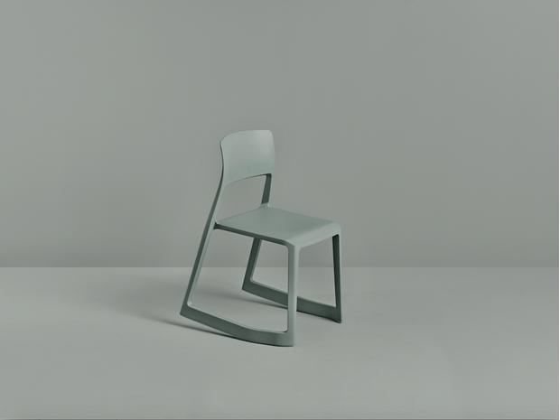 Фото №1 - Первый стул Vitra из переработанных материалов
