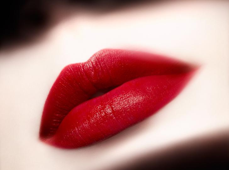 Фото №1 - Браво, маэстро: новая коллекция жидких помад Lip Maestro Notorious от Giorgio Armani