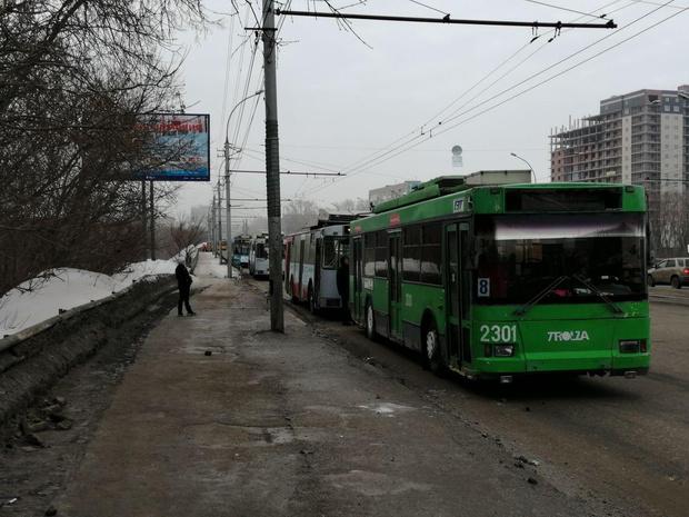 Фото №1 - Мэр Новосибирска не исключил возможности сокращения графика работы общественного транспорта