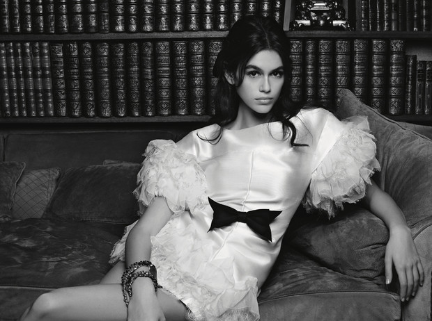 Фото №1 - Кайя Гербер стала лицом новой рекламной кампании Chanel