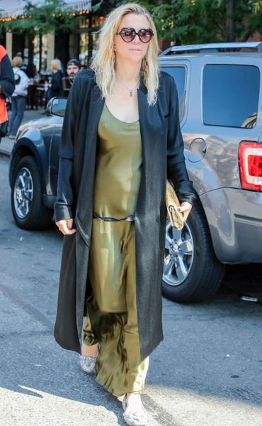 Фото №1 - В 52 года Кортни Лав одевается как рок-звезда и не носит белье