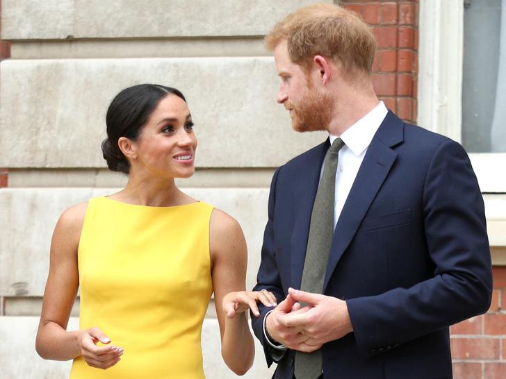Фото №1 - От денег до титулов: почему именно сейчас Гарри и Меган могут лишиться всего и сразу