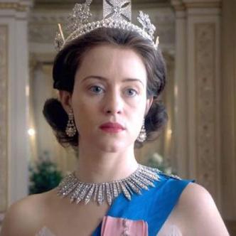 Фото №8 - Фан-теория: на какой факультет Хогвартса попали бы персонажи сериала «Корона»