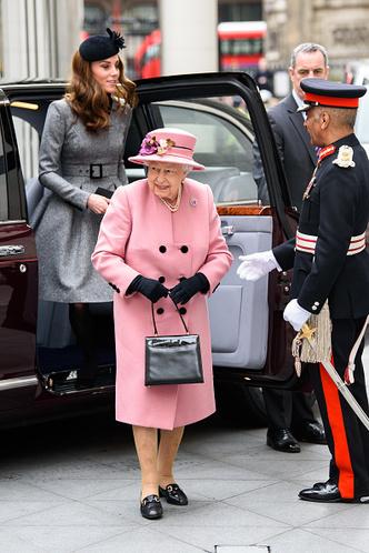 Фото №8 - 4 вещи, которые сделала Миддлтон, чтобы угодить королеве
