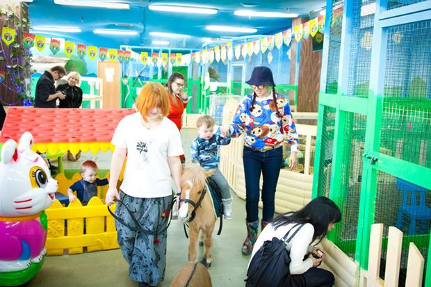 Фото №2 - Открылся новый филиал контактного зоопарка «Зверюшки как игрушки»