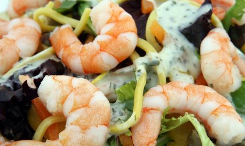 Фото №1 - Эксперт рассказал, сколько могут храниться новогодние салаты