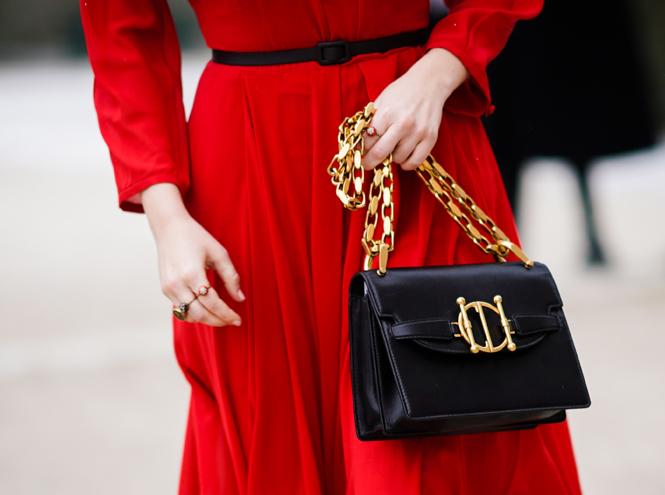 Фото №2 - Как подобрать цвет ювелирных украшений к одежде