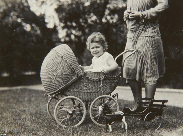 Фото №1 - Принцесса Лилибет: редкие детские фотографии Елизаветы II