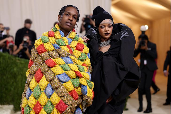 Фото №2 - Met Gala 2021: все модные образы бала Института костюма