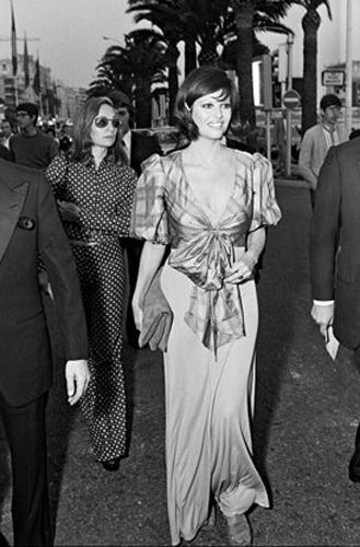 Фото №21 - Войти в историю: 35 культовых платьев Каннского кинофестиваля