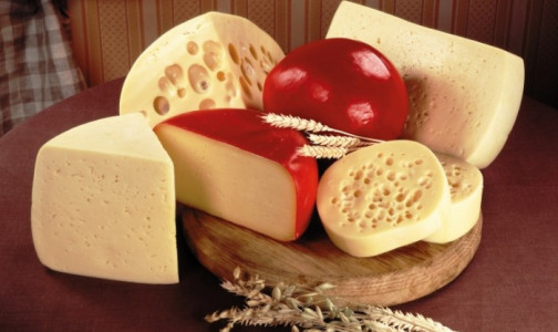Фото №1 - Почему нужно покупать сыр в фабричной упаковке и как его правильно выбирать? Отвечает Роспотребнадзор