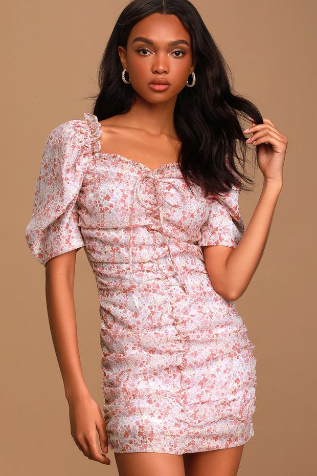 Фото №10 - 15 цветочных розовых платьев как у Селены Гомес в новом видео De Una Vez