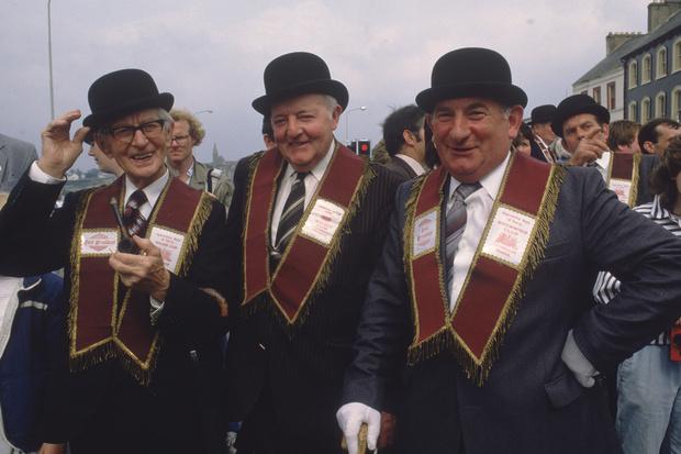 Ирландские протестанты маршируют на параде