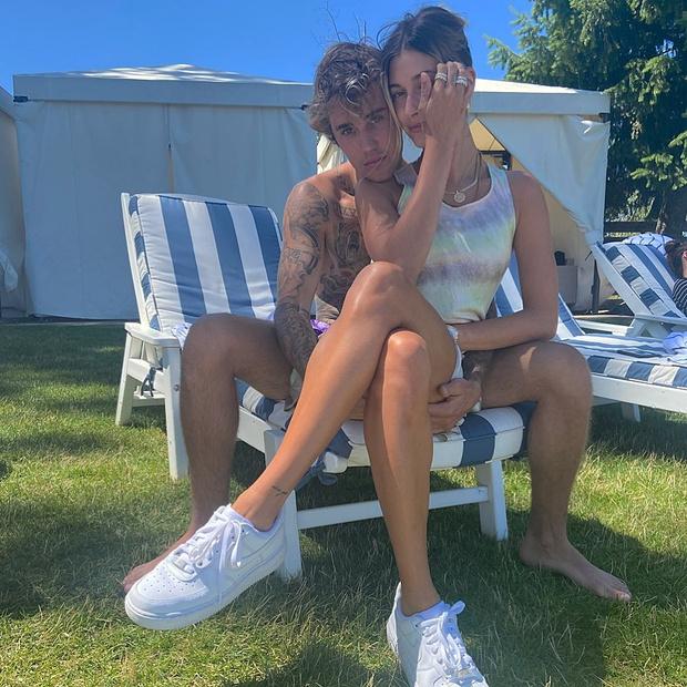 Фото №2 - Второй медовый месяц: Хейли и Джастин Бибер наслаждаются отдыхом и компанией друг друга