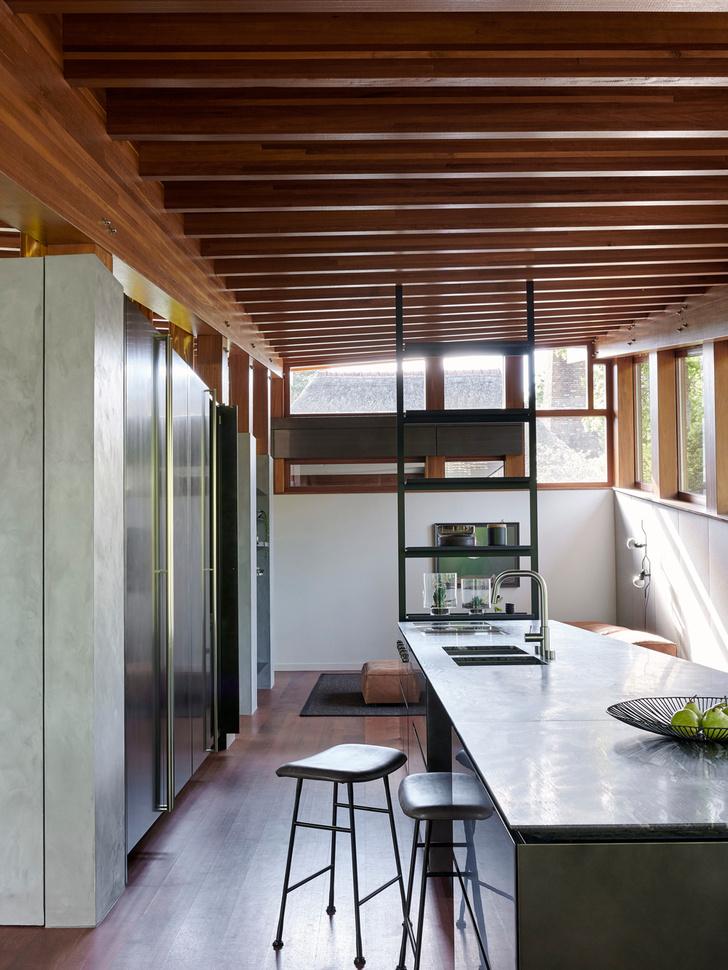 Кухня, Boffi. Барные стулья, Living Divani.