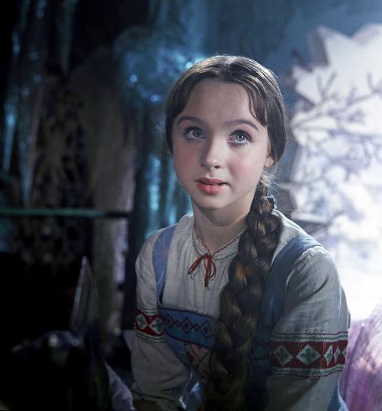 Фото №2 - Из принцесс в королевны: как менялась внешность героинь советских фильмов-сказок