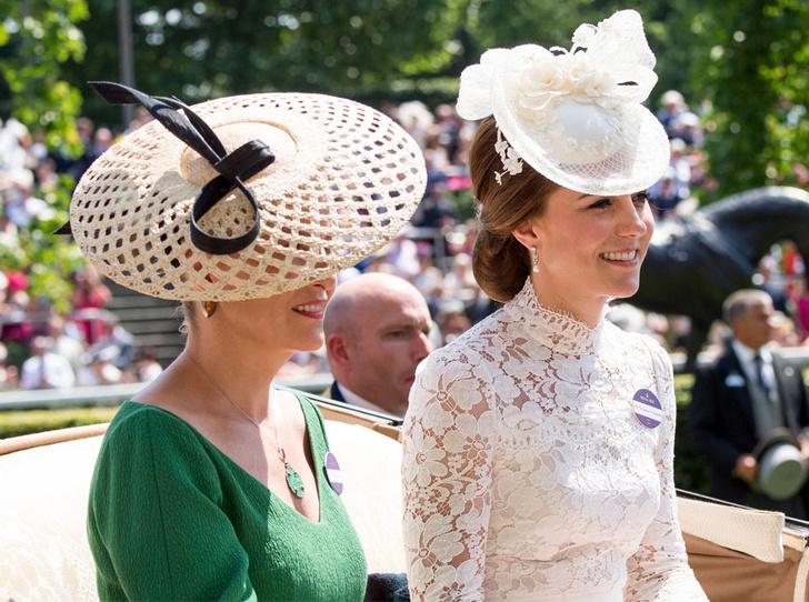 Фото №1 - Кто помогает герцогине Кейт и графине Софи создавать стильные образы