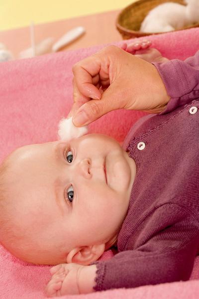 Фото №1 - Уход за лицом новорожденного