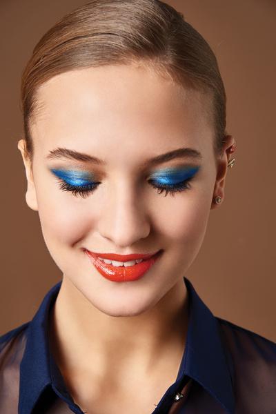 Фото №1 - Beauty-тренд: Синие тени