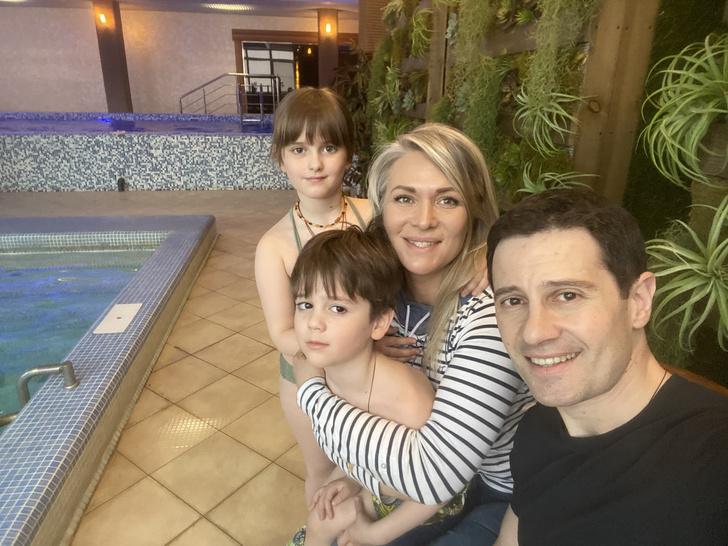 Антон Макарский семья фото