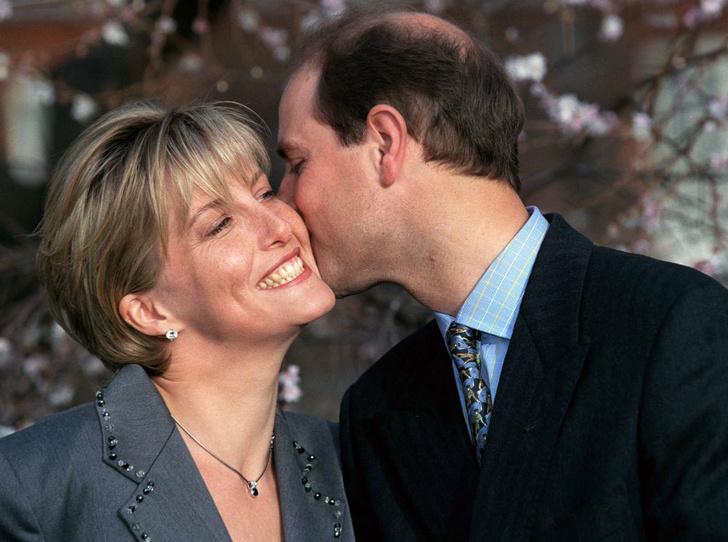 Фото №4 - История одного скандала: как «любимая невестка Королевы» и принц Эдвард зарабатывали на титулах