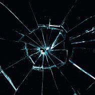 Фото №1 - Почему стекло бьется, а дерево нет?