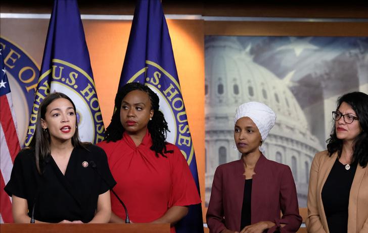 Фото №2 - The Squad: 4 женщины-политика, которых боится даже Дональд Трамп