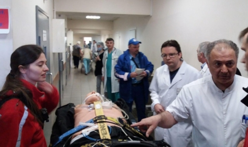 Фото №1 - К ЧМ врачи тренируются спасать пострадавших с запасом антидота для «Новичка»