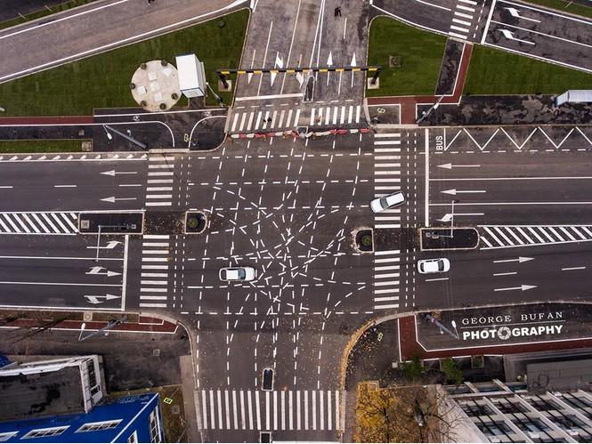 Фото №1 - Перекресток с самой убийственной в мире разметкой