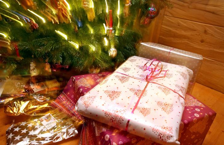 Фото №1 - Почему дарить подарки приятнее, чем получать