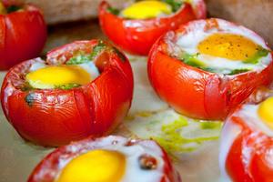 Фото №15 - 7 необычных и простых рецептов яичницы к завтраку