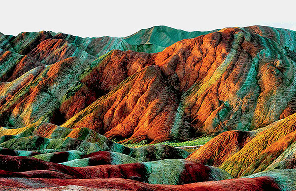 Фото №1 - Раскрашенные горы