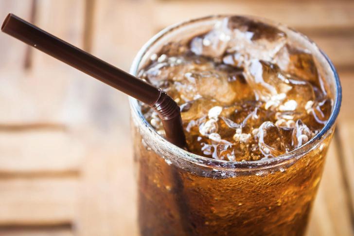 Фото №1 - Диетические газированные напитки мешают похудеть