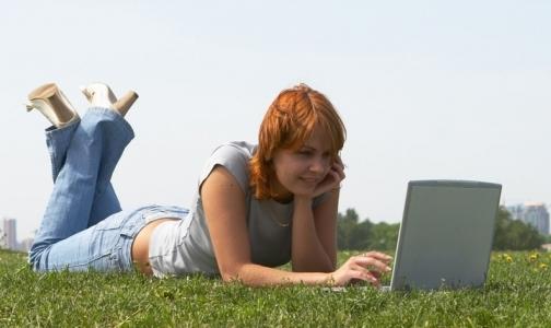Фото №1 - Друзья ВКонтакте и в Facebook провоцируют стресс