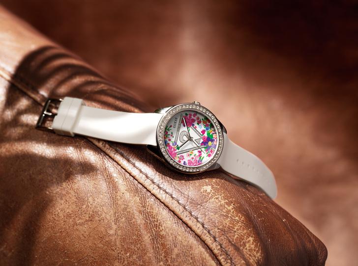 Фото №6 - Считанные минуты: встречай весну вместе с GUESS Watches