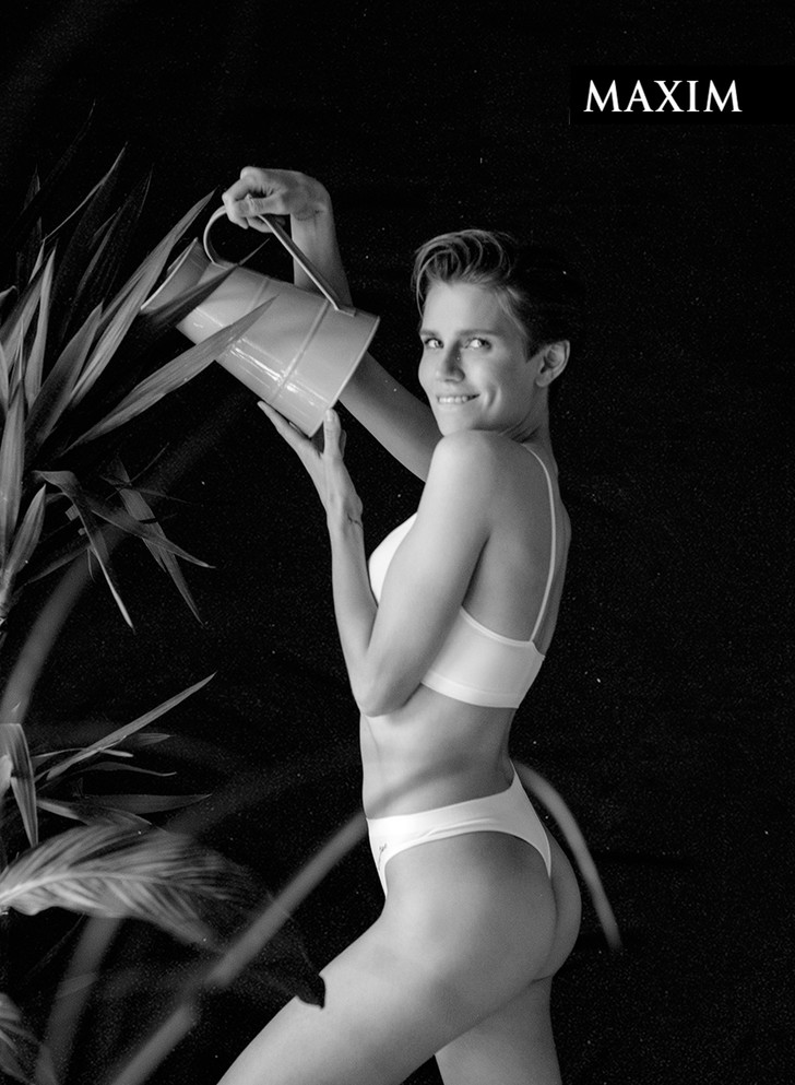 Фото №4 - «Папина дочка» Дарья Мельникова: эксклюзивные кадры со съемки MAXIM