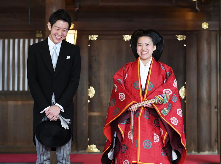 Фото №1 - В Японии стало на одну принцессу меньше (и на одну счастливую девушку больше)