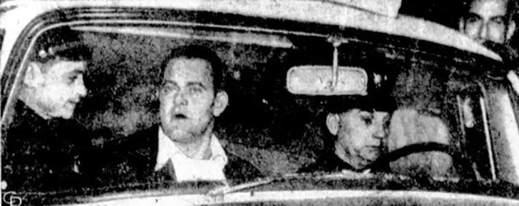 Фицпатрик в машине полиции