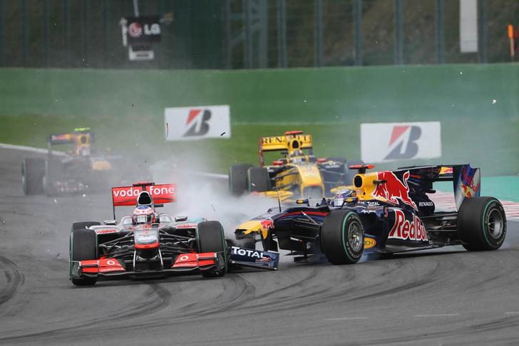 Фото №1 - Ученые оценили причины аварий в «Формуле-1»
