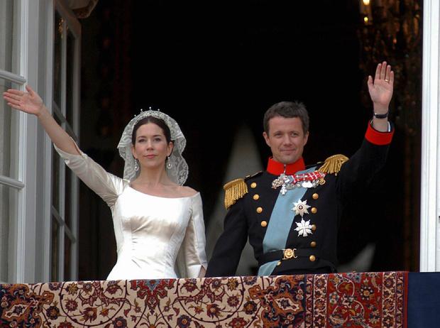 Фото №13 - Как простолюдинки спасли европейские монархии от краха