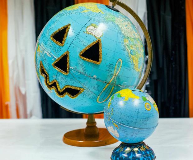 Фото №1 - Хеллоуинская тыква из глобуса