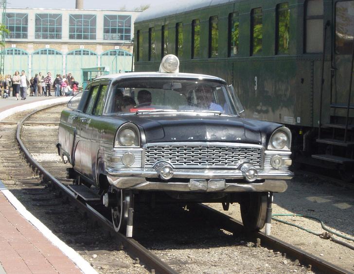 Фото №1 - 7 фактов про самый красивый советский автомобиль— «Чайка»