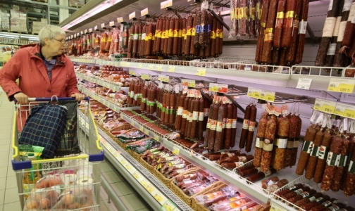Фото №1 - В трети «Докторской» колбасы петербургские эксперты обнаружили дефицит белка