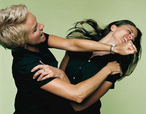 Фото №1 - Как бороться с любовницей: самые популярные методы